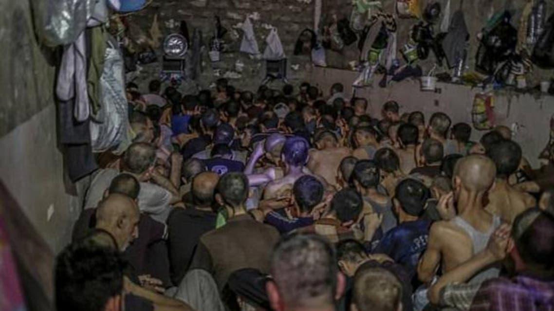 أسرى مكدسون في الموصل ويواجهون الموت بعيدا عن القانون