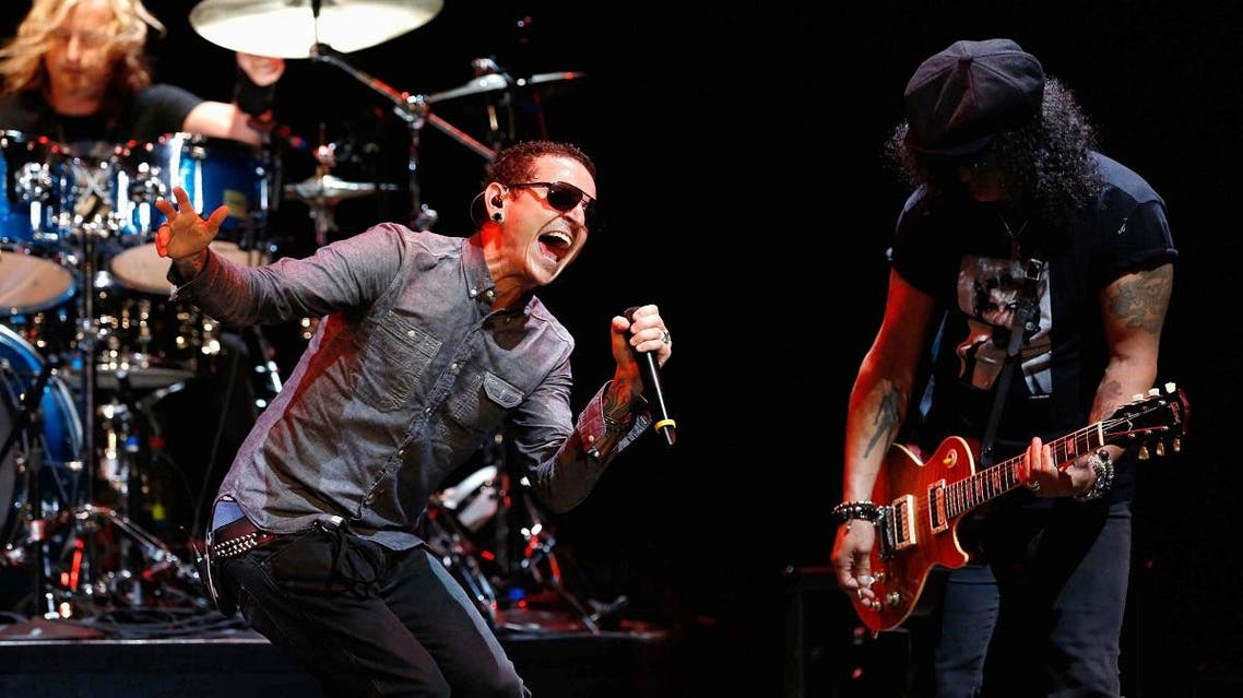 Bennington performs with Slash at 9th annual MusiCares MAP Fund Benefit concert in Los Angeles. (File photo: Reuters)