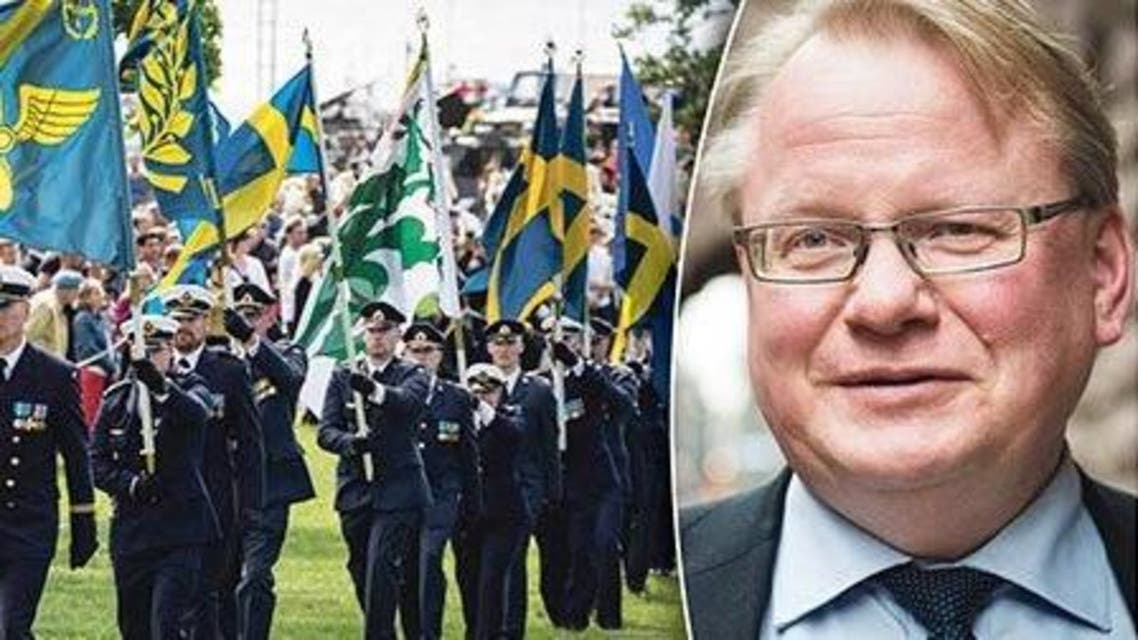 البرلمان استجوب وزير الدفاع السويدي بيتر هولدكفيست على خلفية تسريب معلومات عسكرية حساسة