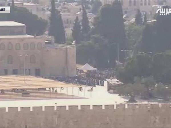 96 جريحاً في اعتداء قوات الاحتلال على المصلين بالأقصى