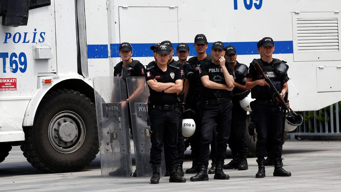 Riot police stand guard during a demonstration in solidarity with the jailed members of the opposition newspaper Cumhuriyet outside a courthouse, in Istanbul, Turkey, July 28, 2017. REUTERS/Murad Sezer
