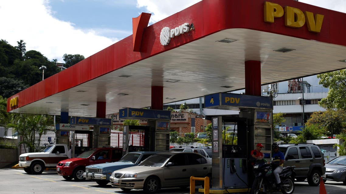 Cars repost fuel at a PDVSA gas station in Caracas, Venezuela, July 25, 2017. reuters