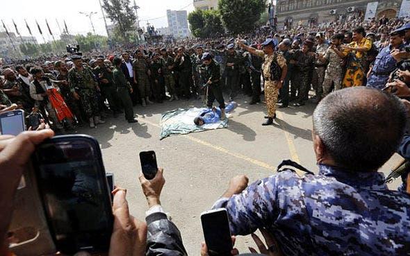 الحشود سجلت واقعة الإعدام