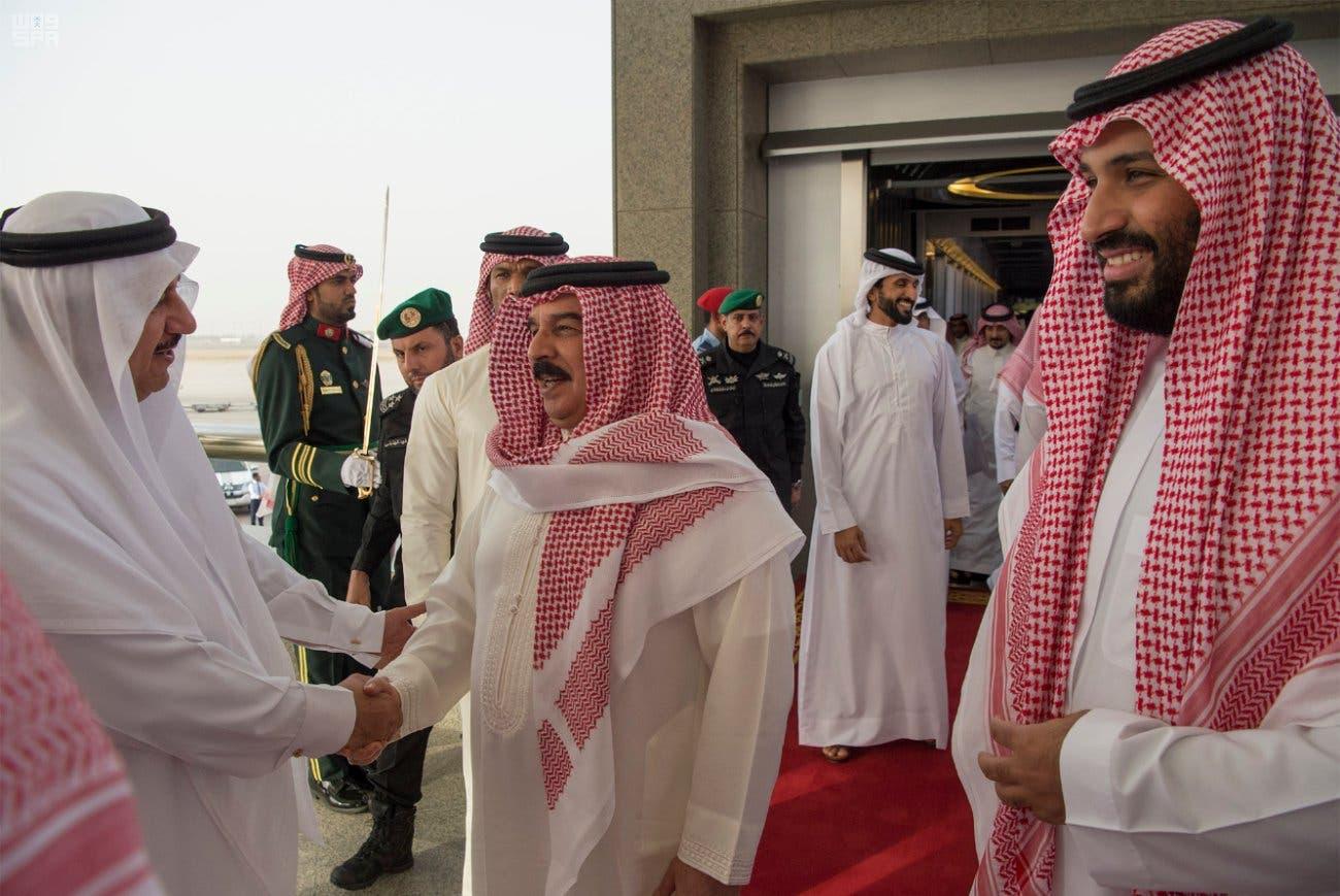 ملك البحرين: نقف بجانب السعودية في التصدي للإرهاب