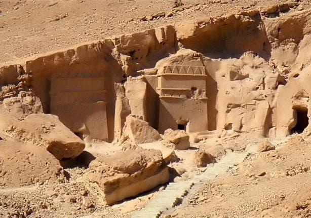 موقع قريب من البحر الأحمر عمل فيه موسى عقدا من الزمان