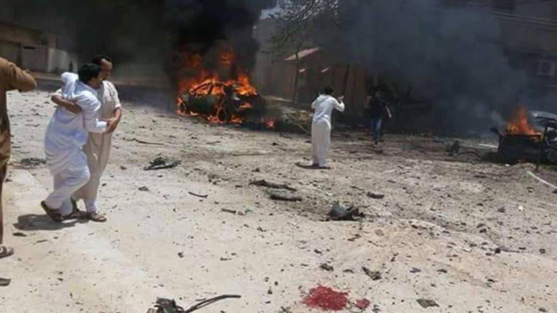 إصابة 10 أشخاص بتفجير مسجد في بنغازي