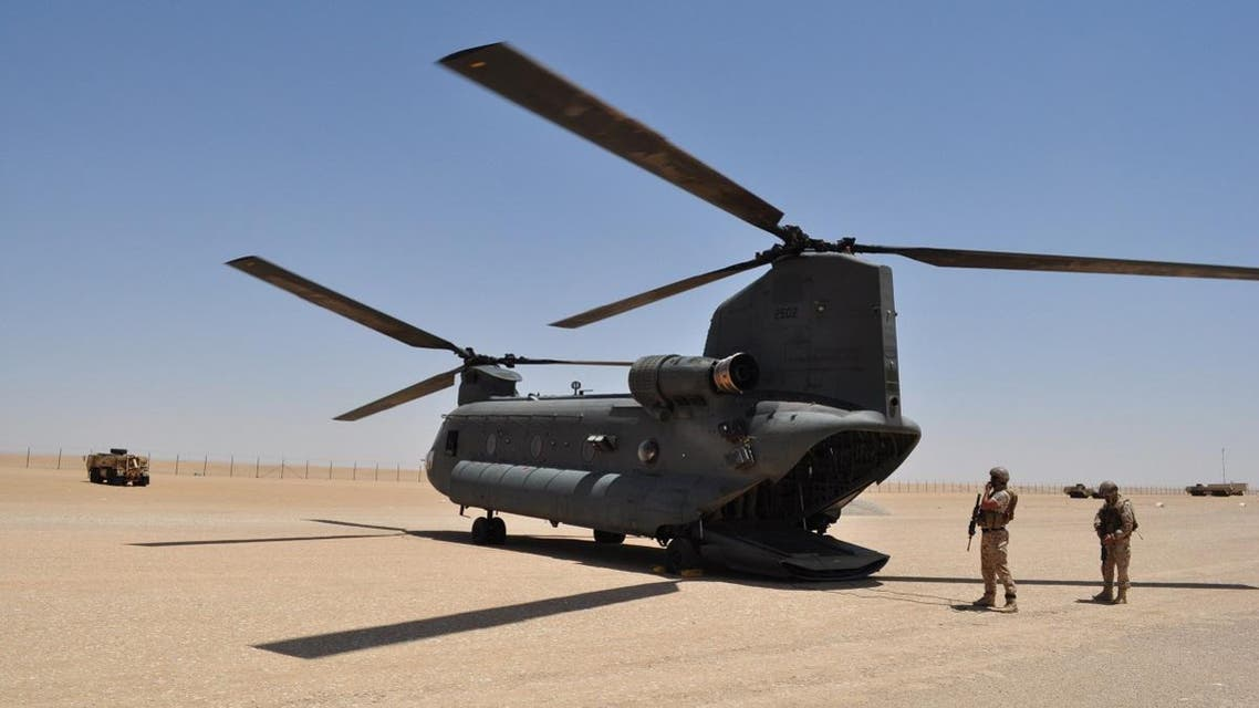 An Emirati Chinook military helicopter lands at a military base near Saffer, Yemen, Monday, Sept. 14, 2015. (Illustrative photo: AP)