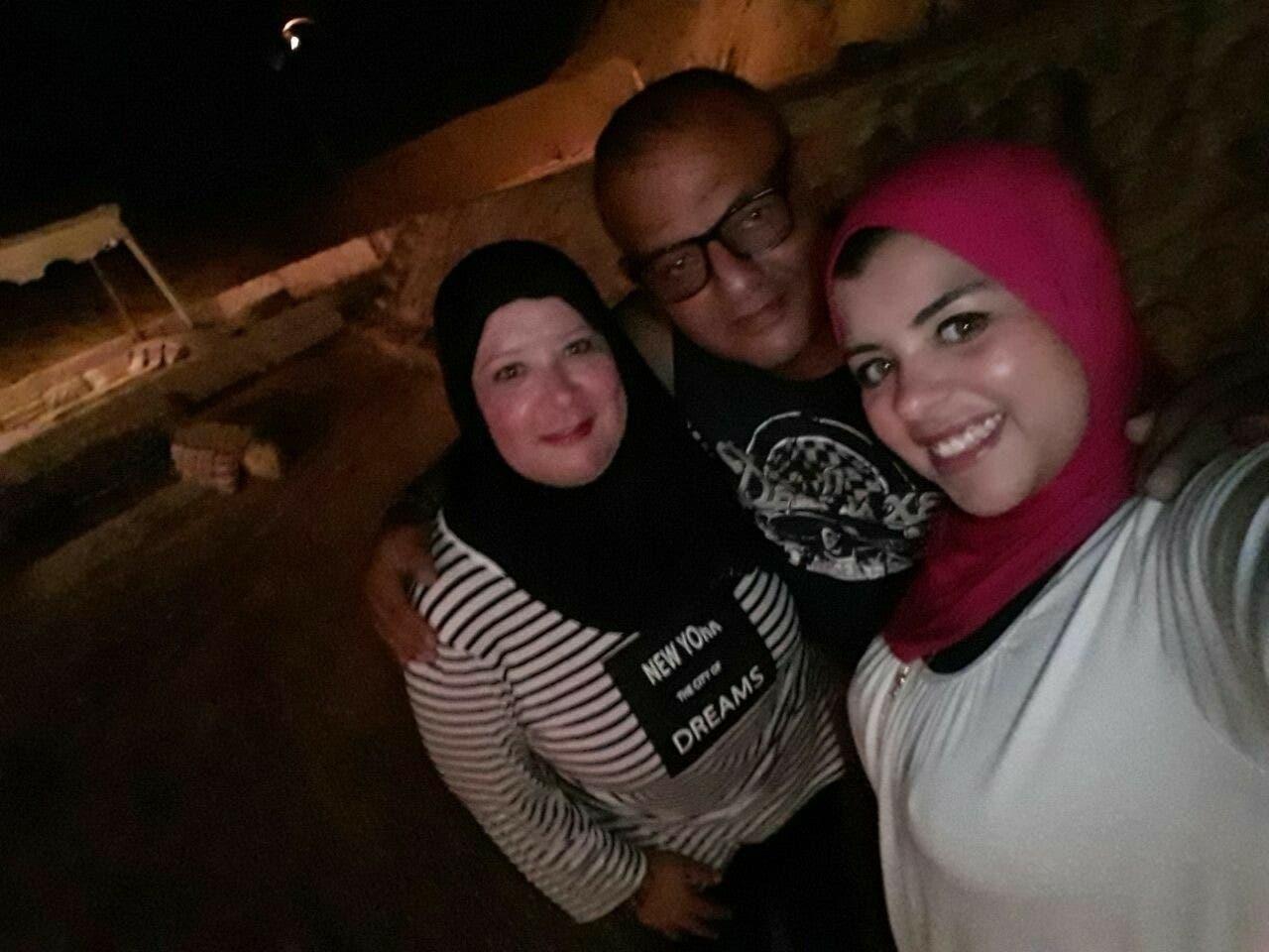 المصري القتيل بين زوجته وابنته