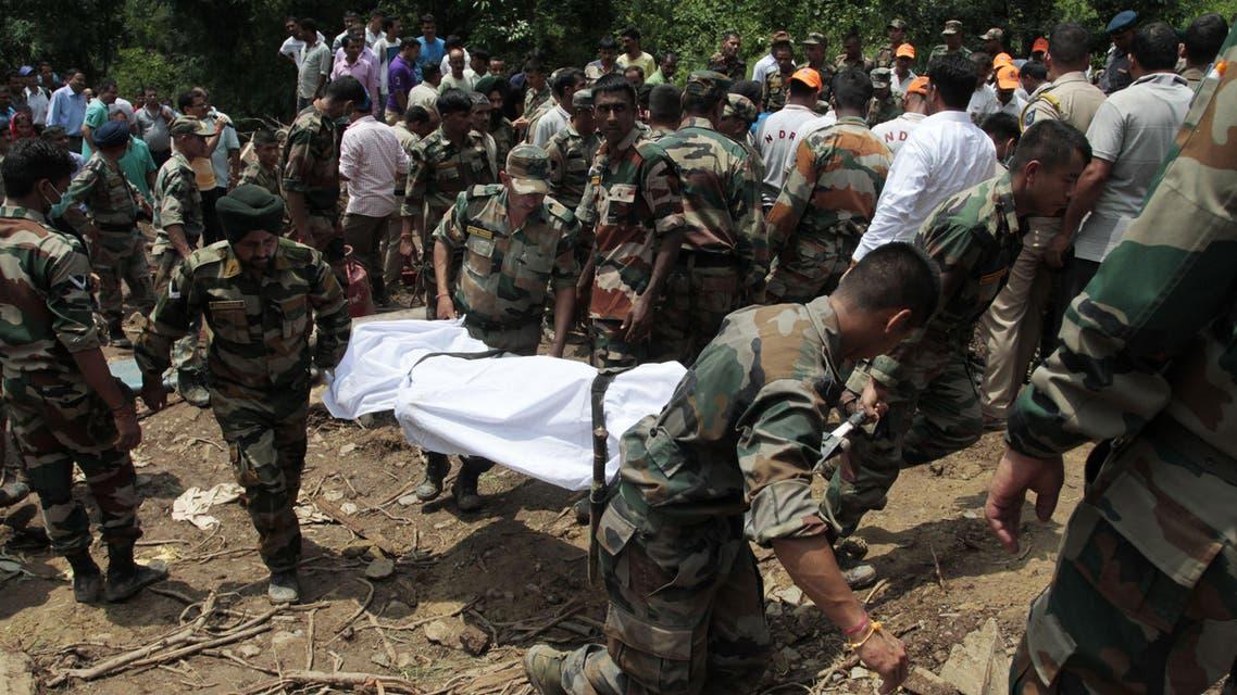 انهيار أرضي - الهند - جانب من عمليات الإنقاذ