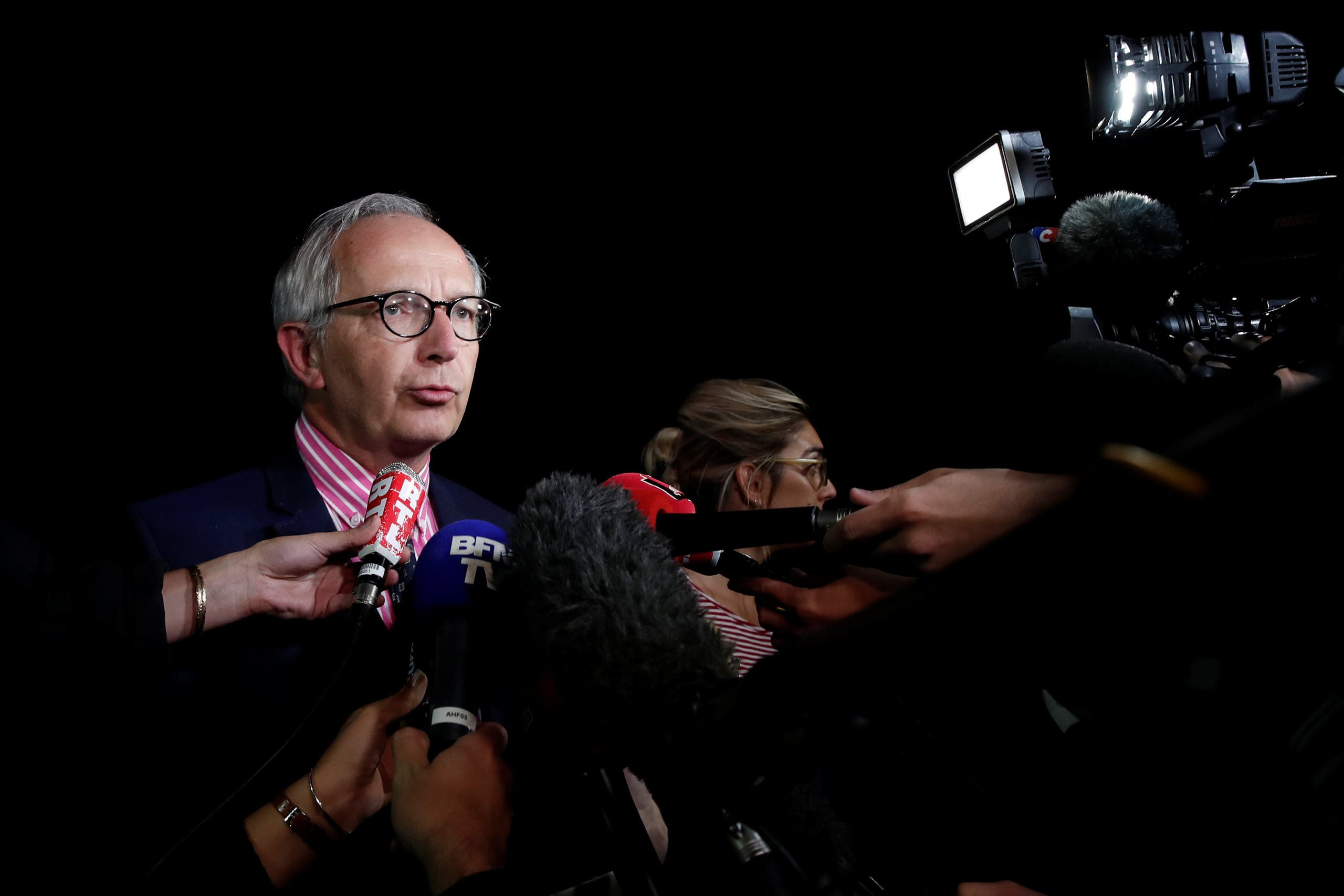 ممثل الادعاء الفرنسي يتحدث للصحافيين