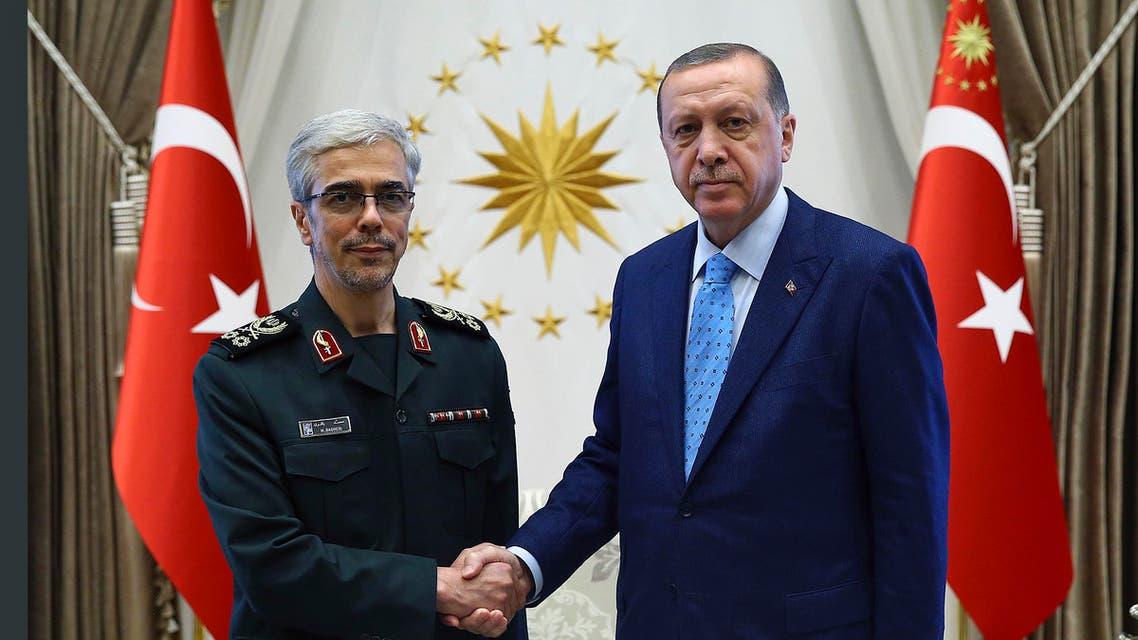 Turkey's President Recep Tayyip Erdogan with Iran's Chief of Staff of Armed Forces, General Mohammad Hossein Bagheri, at the Presidential Palace in Ankara, Aug. 17, 2017. (AP)