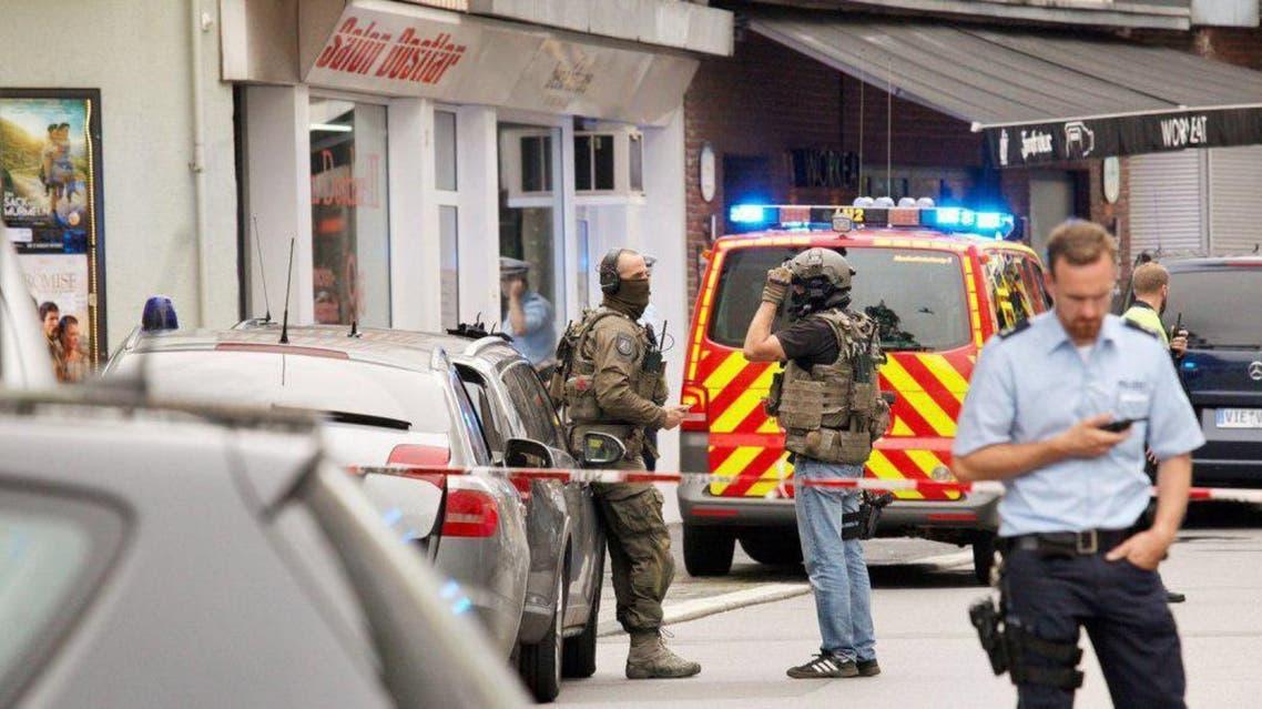 فردی با چاقو در آلمان یک تن را کشت