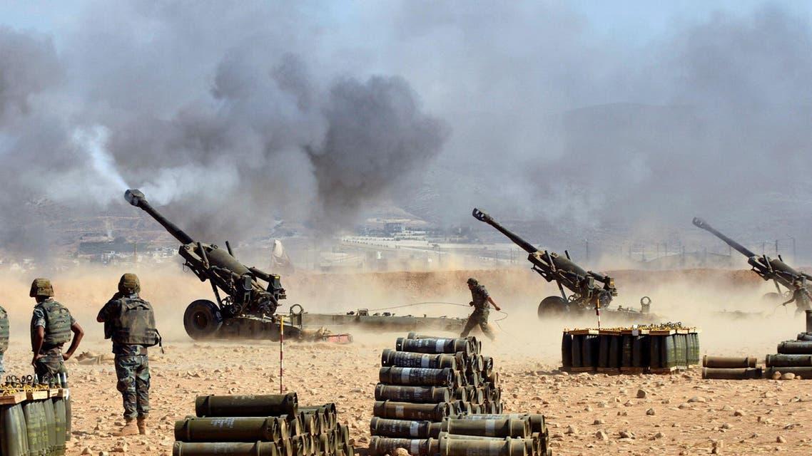 الجيش البناني يطلق نيران المدفعية في بلدة رأس بعلبك