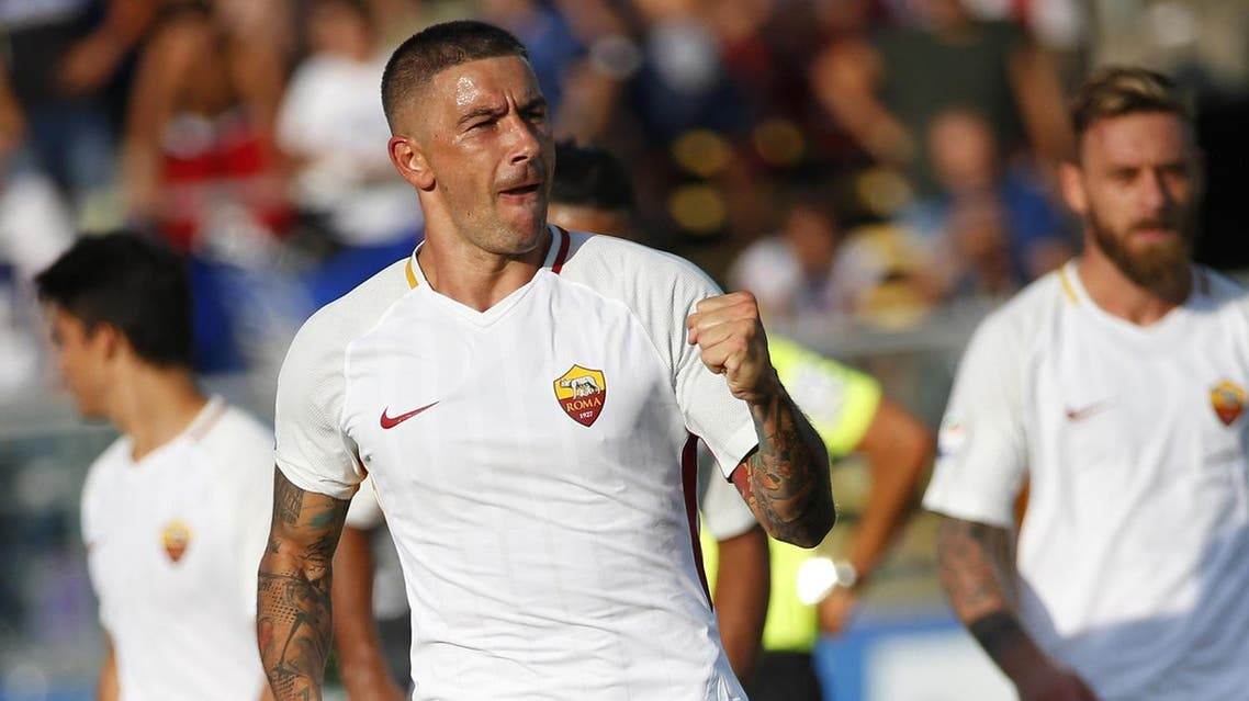 AS Roma's Serbian defender Aleksandar Kolarov (L) celebrates after scoring a goal during the Italian Serie A football matchbetween Atalanta and AS Roma on August 20, 2017 at the Atleti Azzurri d'Italia stadium in Bergamo. (AFP)