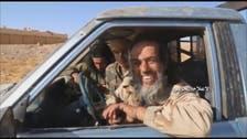 """عناصر """"داعش"""" يسلمون أنفسهم طواعية لميليشيا حزب الله"""