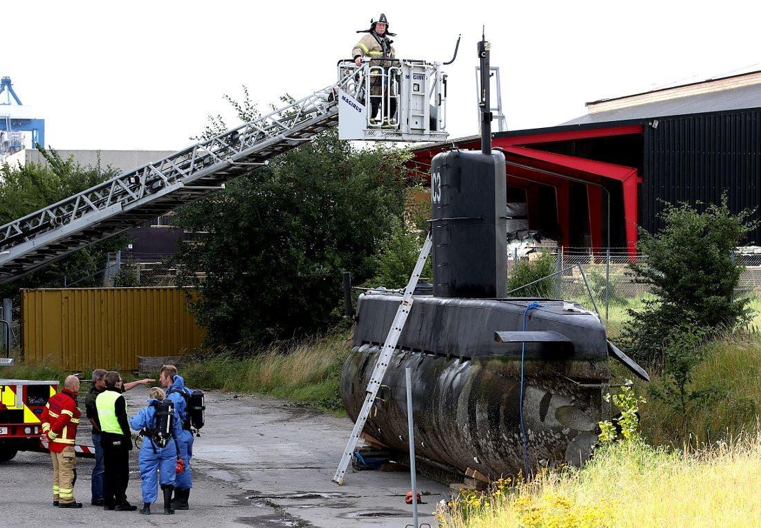 زیردریایی پس از بیرون کشیدن از آب