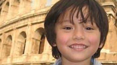 الصورة التي أدمت القلوب.. أصغر ضحايا برشلونة
