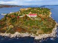 جزيرة أشبه بالخيال معروضة للبيع.. كم تتوقع السعر؟