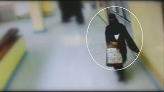 شاهد كيف اختطفت هذه المرأة طفلاً ووضعته بحقيبتها