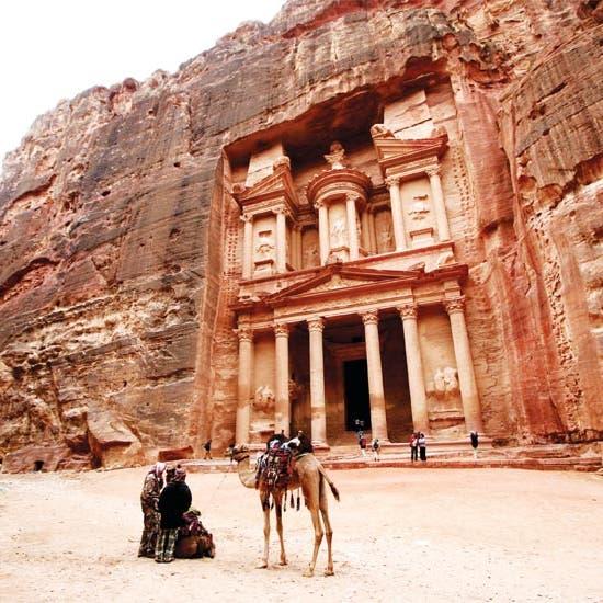 الأردن.. أكبر شركة نقل سياحي تتوقع خسارة نصف مليون دينار