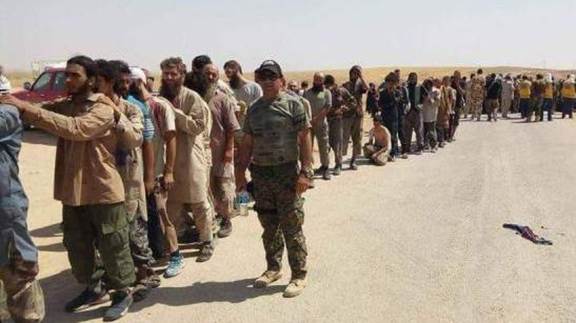 عناصر داعش يسلمون أنفسهم للبيشمركة