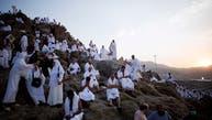 شاهد.. أمطار غزيرة ورياح على صعيد جبل عرفات