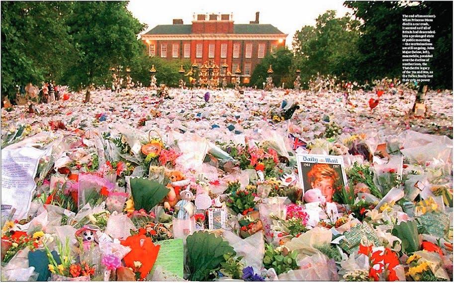 أطنان من باقات الورد وضعها البريطانيون أمام القصر الذي كانت تقيم فيه، حزناً ووداعاً لأميرة القلوب