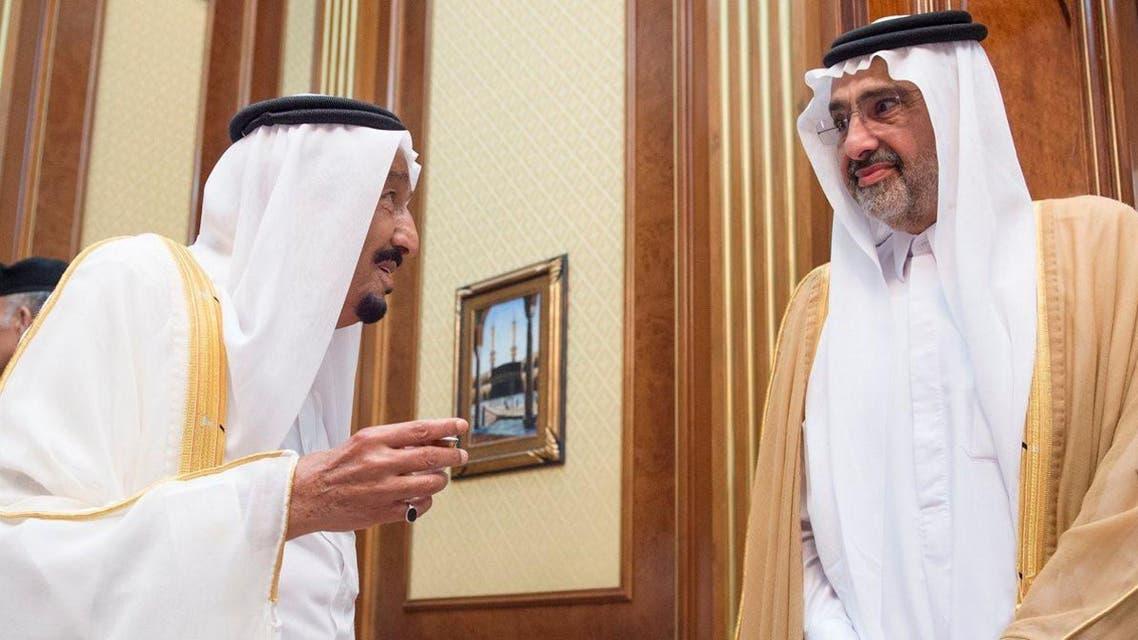 خادم الحرمين يستقبل الشيخ عبدالله آل ثاني في منى