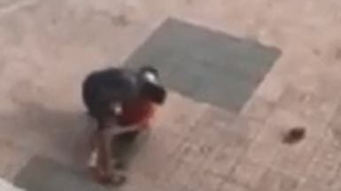 شاهد.. اعتداء بالساطور على رجل مسن في المغرب