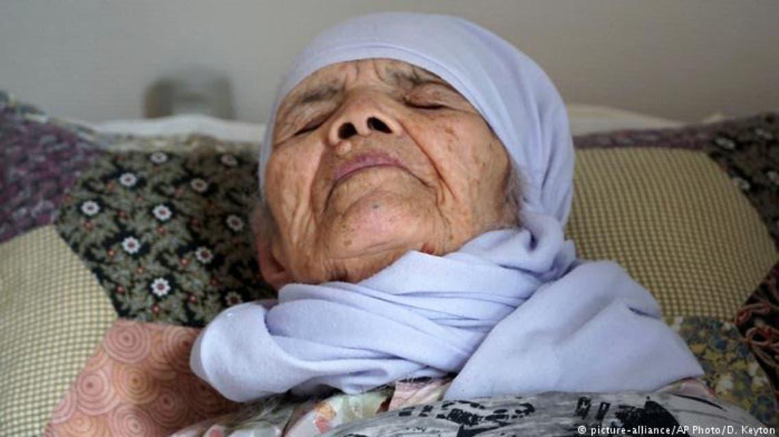 سکته زن 106 ساله افغان بدلیل عدم قبولی درخواست پناهندگیاش