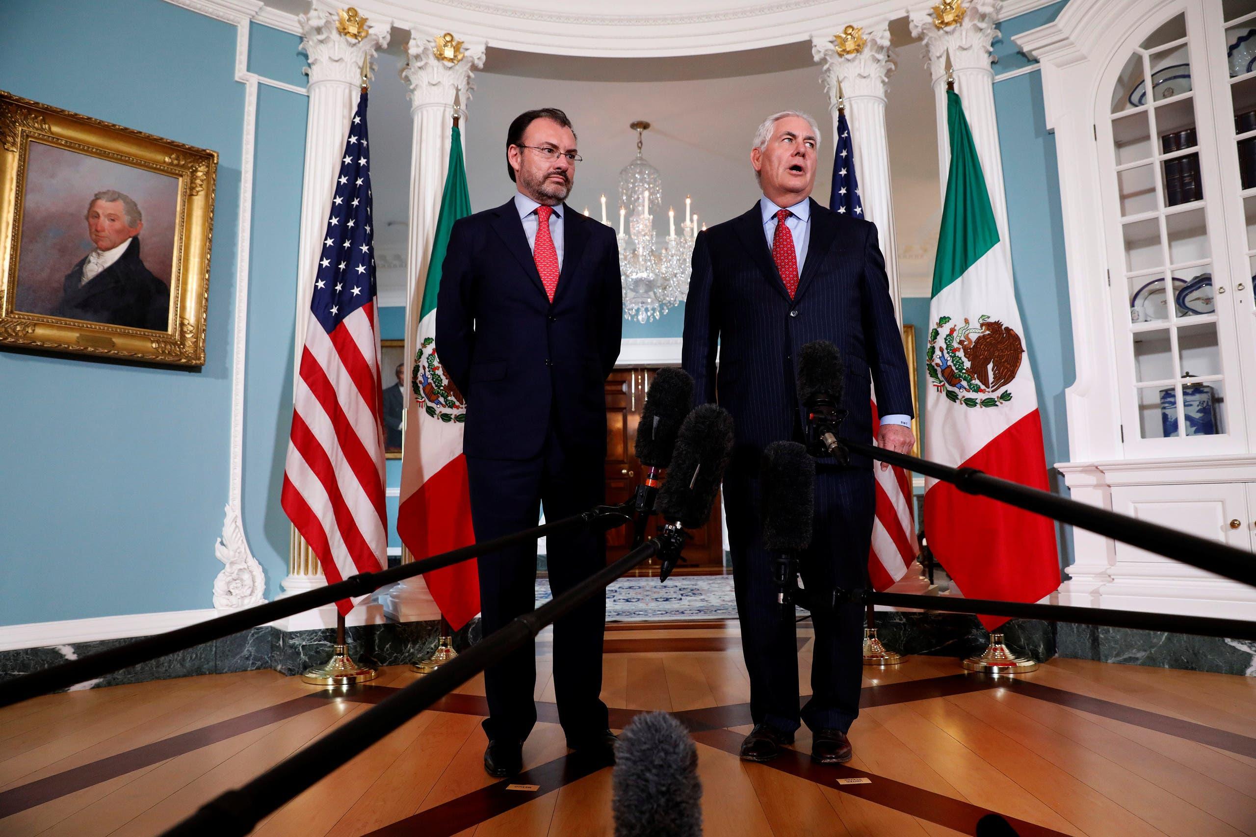 آخر ظهور علني لتيلرسون مع نظيره المكسيكي في 30 أغسطس الماضي
