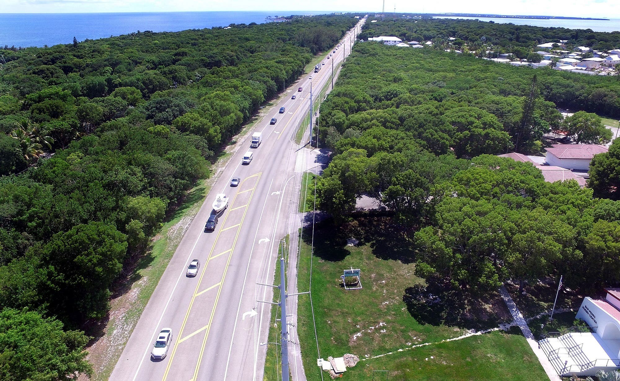 A steady stream of traffic heads North on Overseas Highway as Madetory evacuations continue in Monroe County and the Florida Keys on September 6, 2017. (AFP)