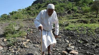 صور حزينة.. الحوثيون يهجرون سكان قرية غرب تعز بالقوة
