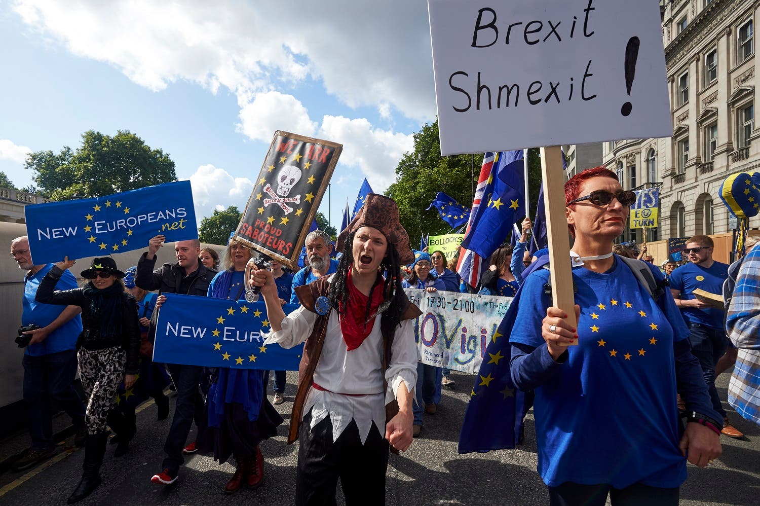 Pro-EU demonstrators march through central London during the People's March for Europe against Brexit on September 9, 2017. (AFP)