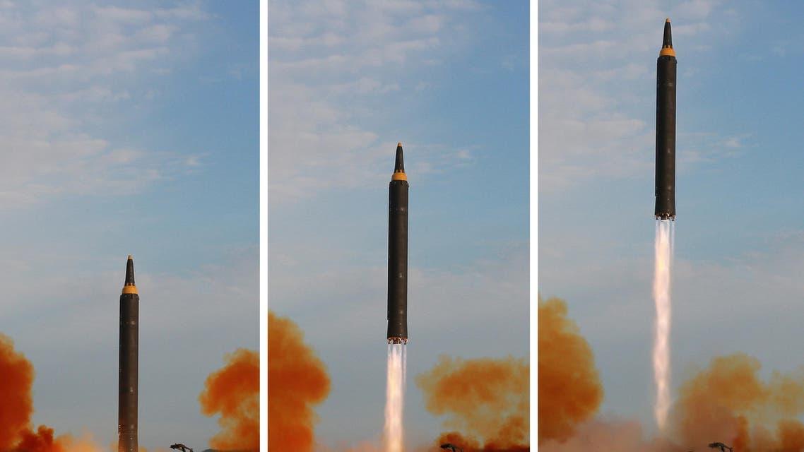 كوريا الشمالية صاروخ باليستي متوسط المدى من طراز هواسونغ-12