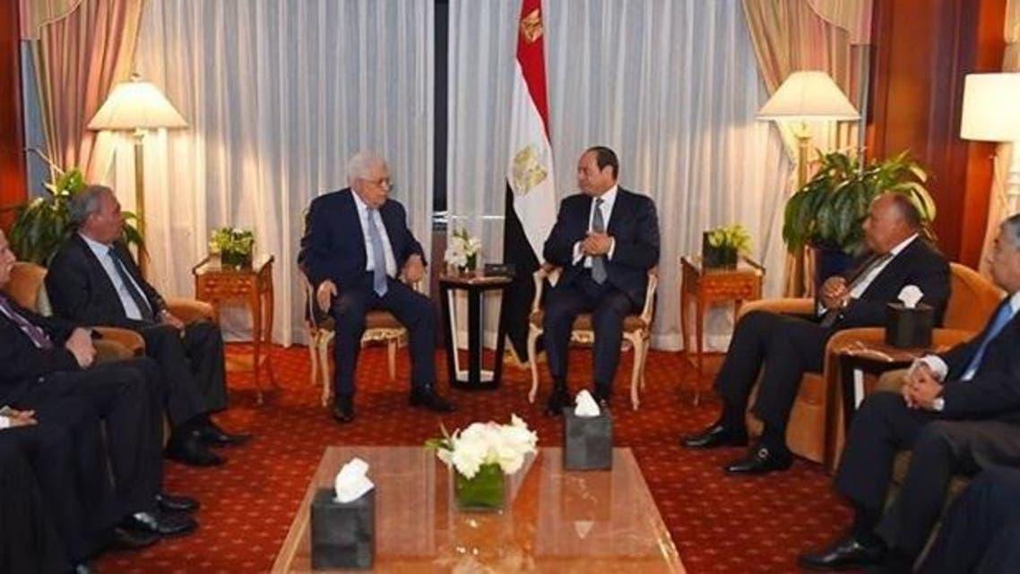 الرئيس المصري عبدالفتاح السيسي والرئيس الفلسطيني محمود عباس