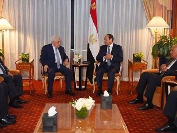أبومازن للسيسي: عازمون على إنهاء الانقسام الفلسطيني