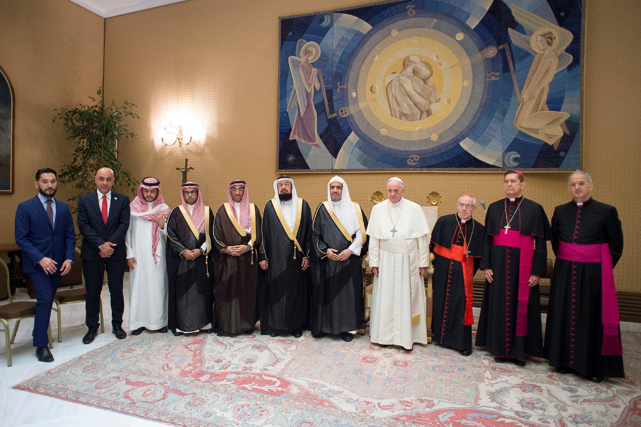 بابا الفاتيكان والعيسى يبحثان السلام والتعايش
