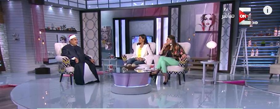 مع المذيعة شريهان أبو الحسن في البرنامج التلفزيوني مساء الاثنين الماضي