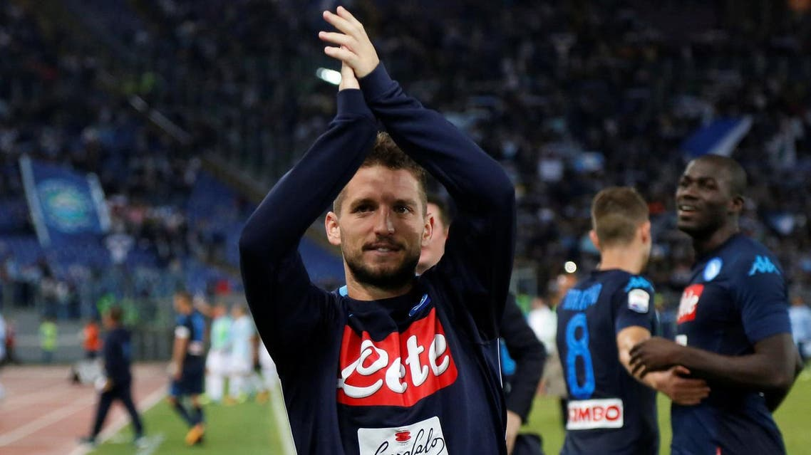 Napoli's Dries Mertens applauds fans after the match against Lazio in the Serie A on September 20, 2017. (Reuters)