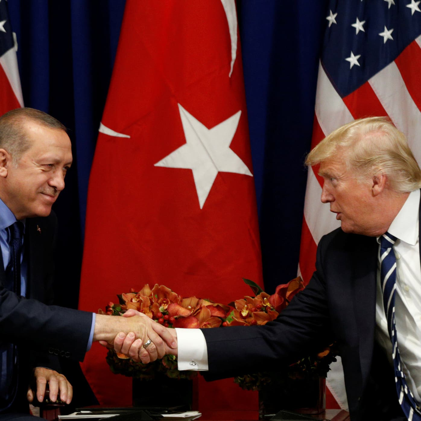 اتصال بين ترمب وأردوغان.. وانفراجة تقفز بالليرة التركية