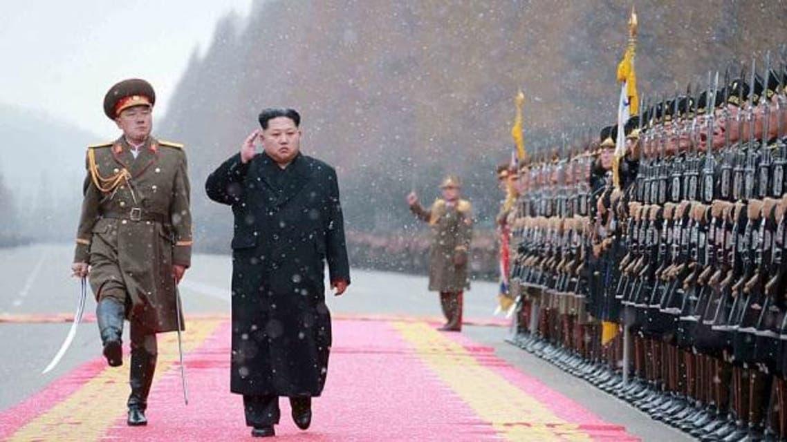 زعيم كوريا الشمالية يتفقد قواته