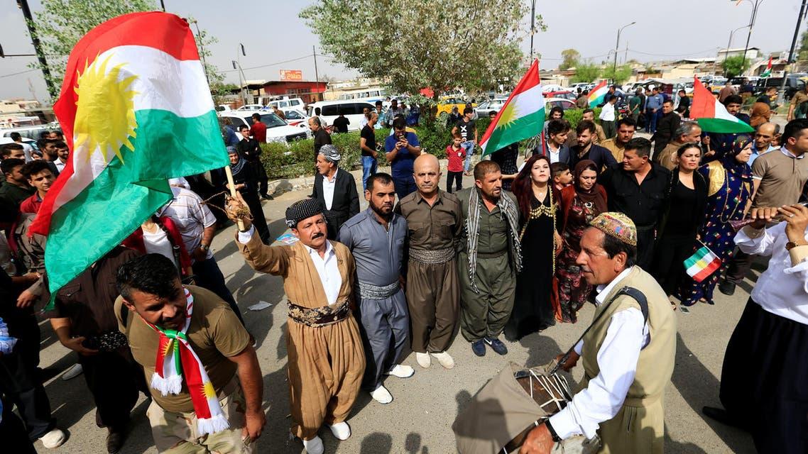 أكراد العراق يحتفلون ببدء الاستفتاء على الانفصال