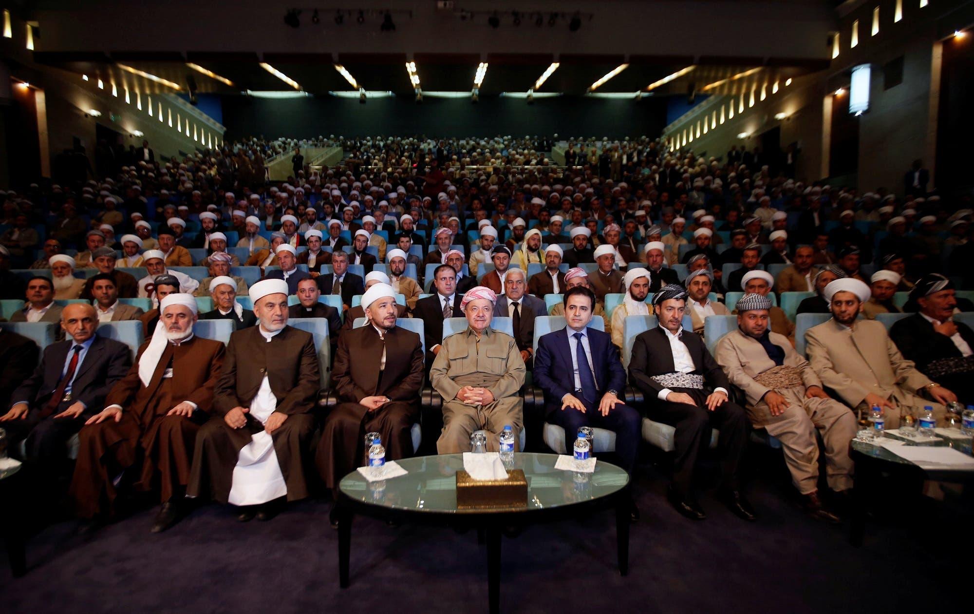 Iraq's Kurdistan region's President Massoud Barzani (C) with clerics and elders from the cities of the Kurdistan region in Erbil, Iraq, August 9, 2017. (Reuters)
