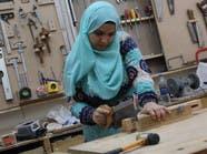 هيام جلال مصرية أتقنت النجارة وتعلم الراغبات فنونها