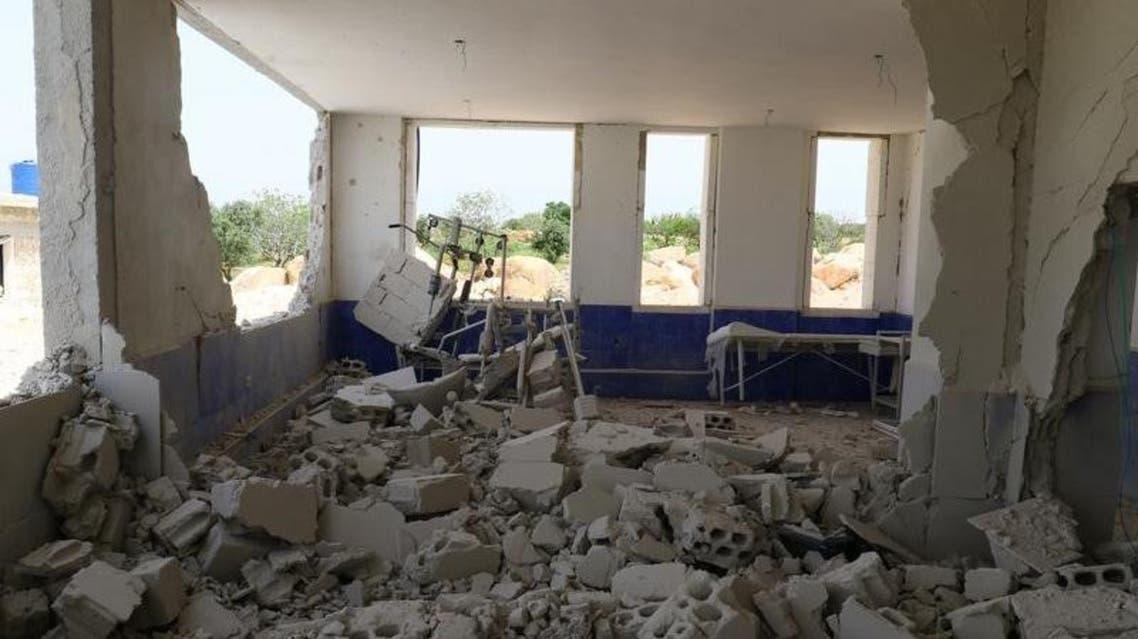 جانب من الدمار الذي لحق بمستشفى في احدى قرى إدلب يوم 27 ابريل نيسان 2017