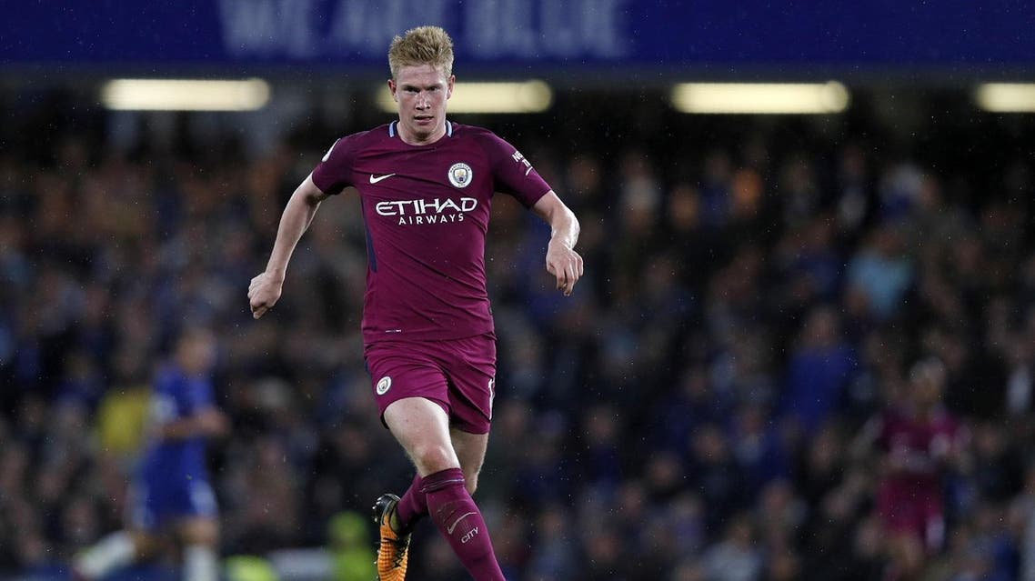 Manchester City's Belgian midfielder Kevin De Bruyne runs with the ball during the English Premier League football match between Chelsea and Manchester City at Stamford Bridge in London on September 30, 2017. (AFP)