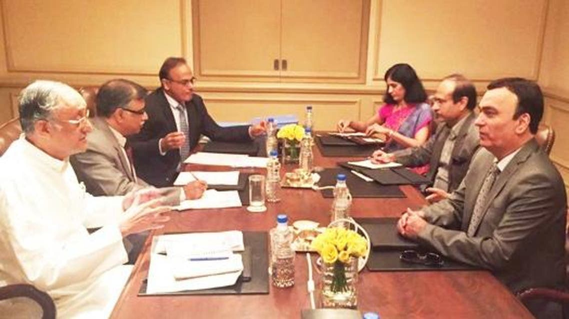 Ahmad Albanna (right), UAE Ambassador, with Amit Mitra (left), West Bengal Finance Minister, at a conference to explore business opportunities. (Supplied)