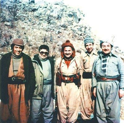 مؤسسو الاتحاد الوطني الكردستاني، من اليسار عادل مراد، فؤاد معصوم، جلال طالباني، عمر شيخ موسى وكمال خوشناو، في نيوزه نك، كردستان عام 1978