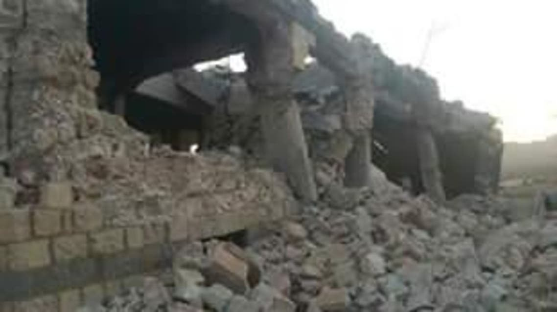 مليشيا الحوثي تفجر منزل شيخ قبلي في نهم وتنفذ اسلوب جديد لاعدام مقاتليها